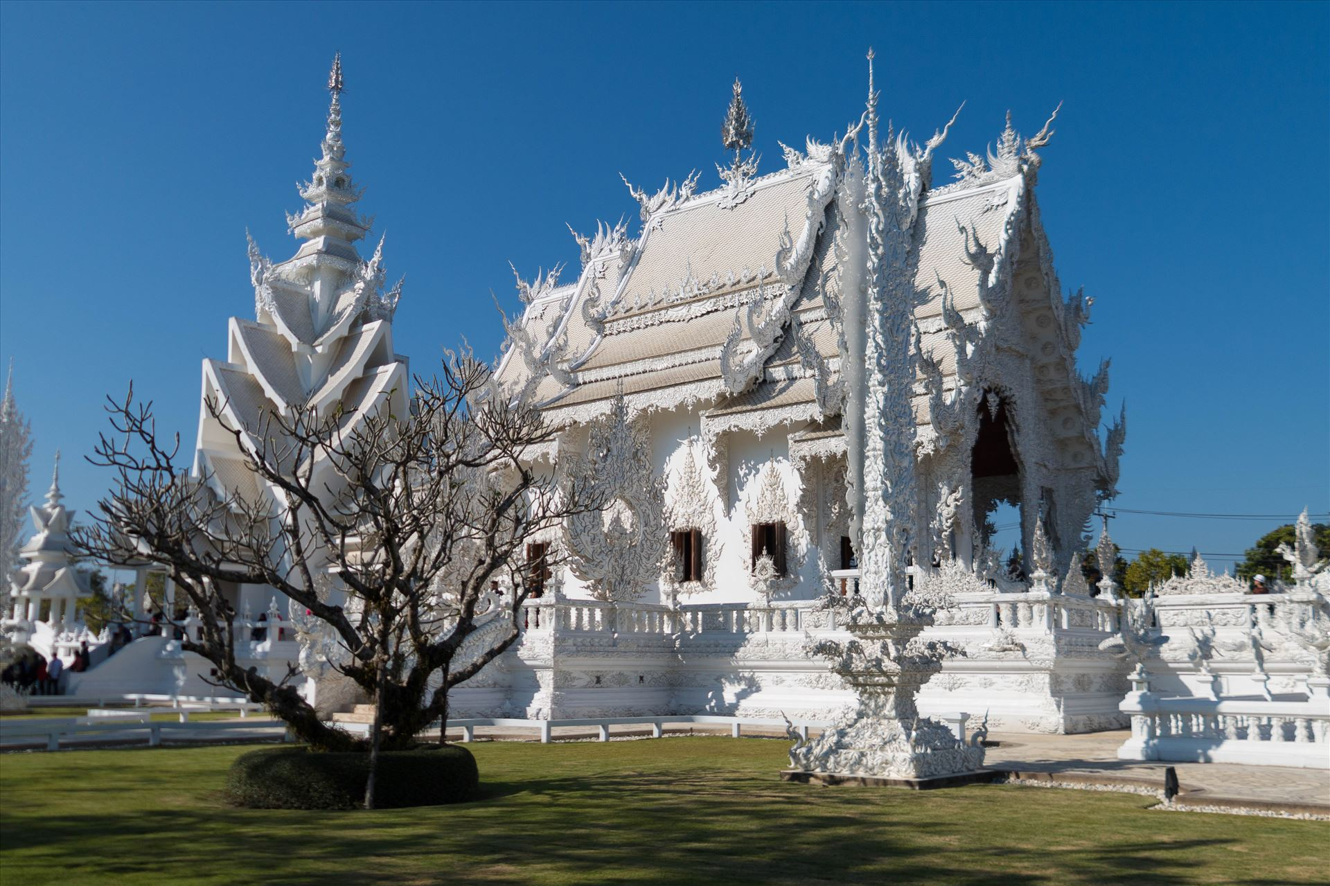 Wat Rong Khun 7 -  by AnnetteJohnsonPhotography